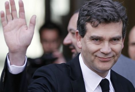 Montebourg now opens on Sunday
